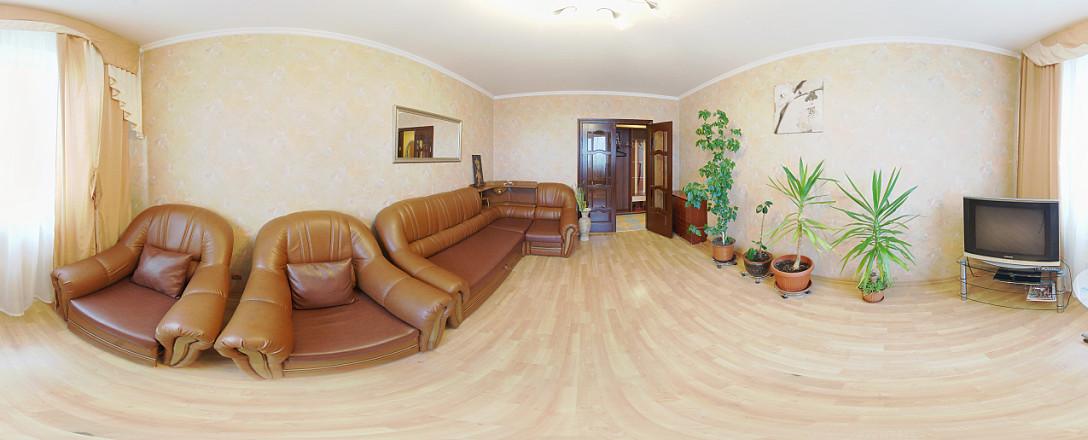 Посуточная аренда трехкомнатной квартиры