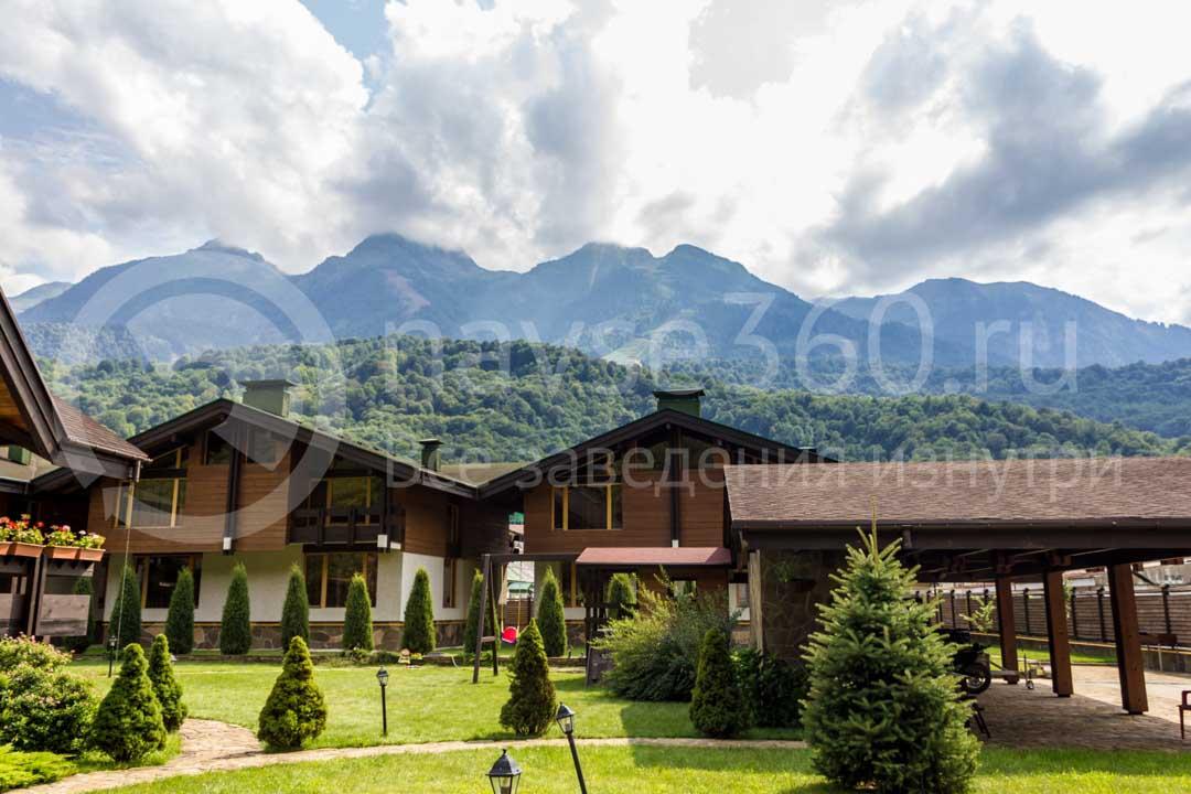 Вид из гостиницы Хомутовский дворик в Сочи 3