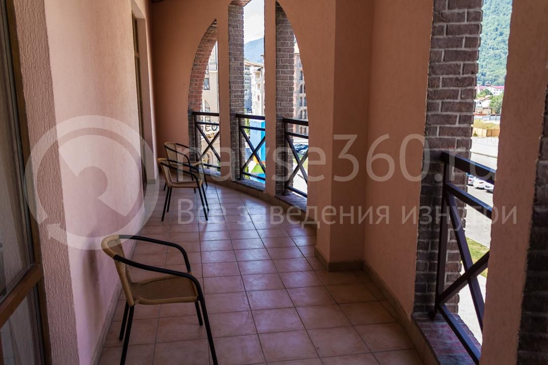 Балкон апартаментов Горки Город