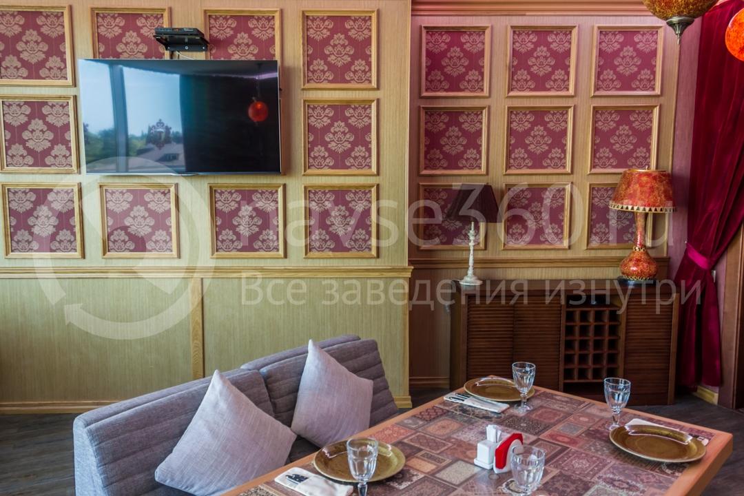 Вид внутри чайхоны Торне, ресторан в Сочи 3