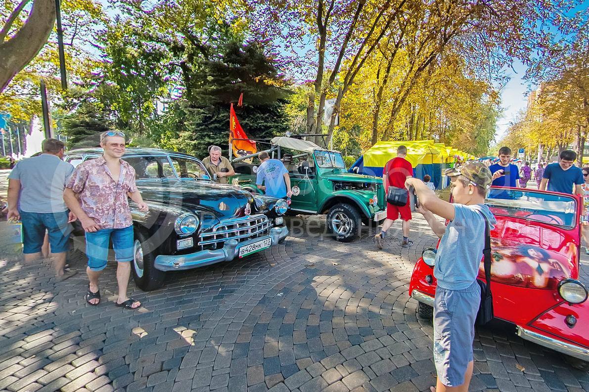 День города Краснодара 2015 г. День города Краснодара 2015 г. фото у ретро - автомобилей