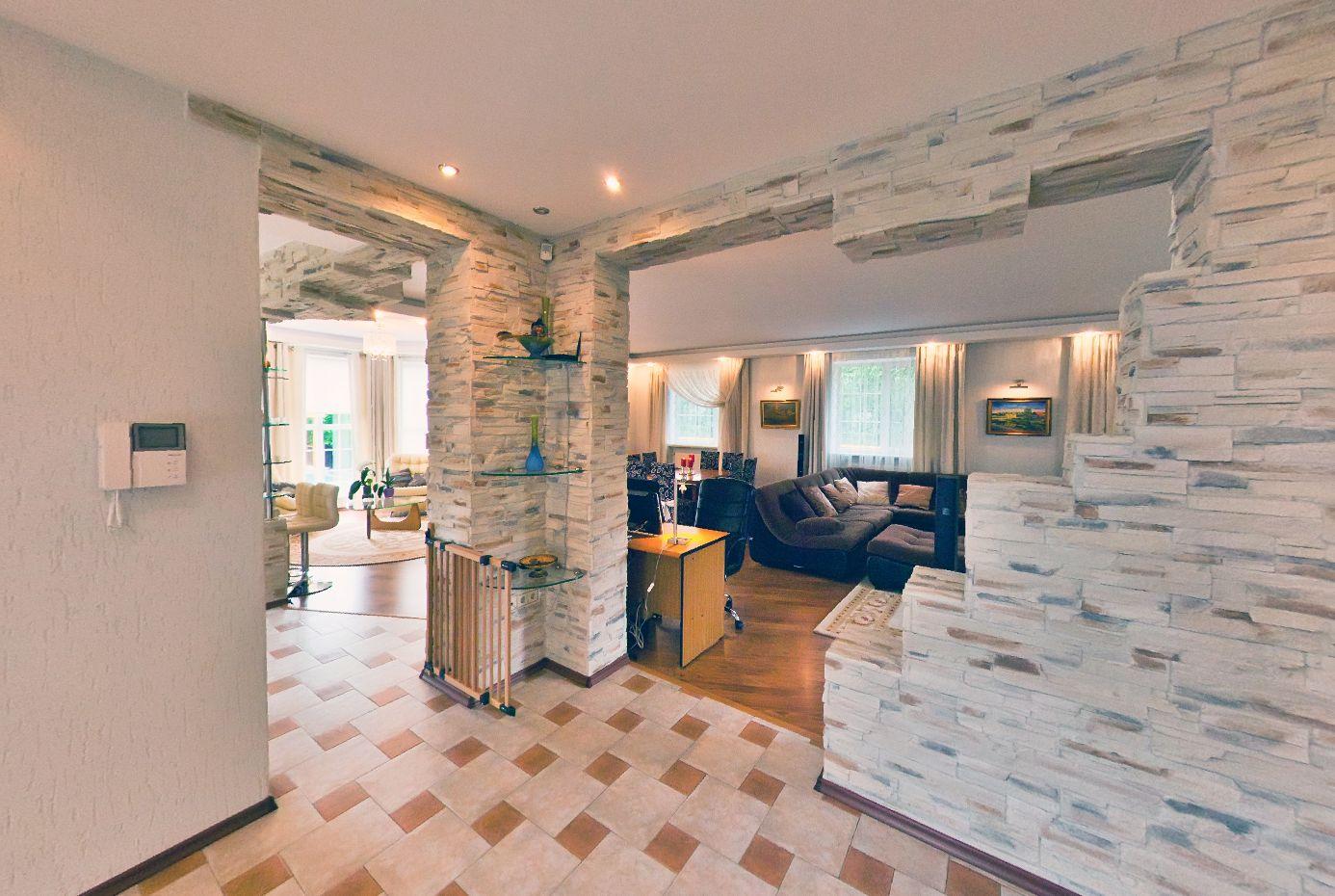 Купить дом в Анапе - гостиная