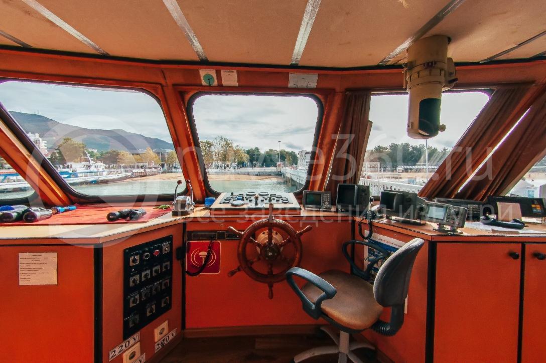 Саламандра, лайнер морские прогулки геленджик 06