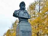 Памятник-бюст русскому художнику-баталисту В.В. Верещагину