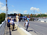Крестный ход, Кировский мост через реку Тускарь