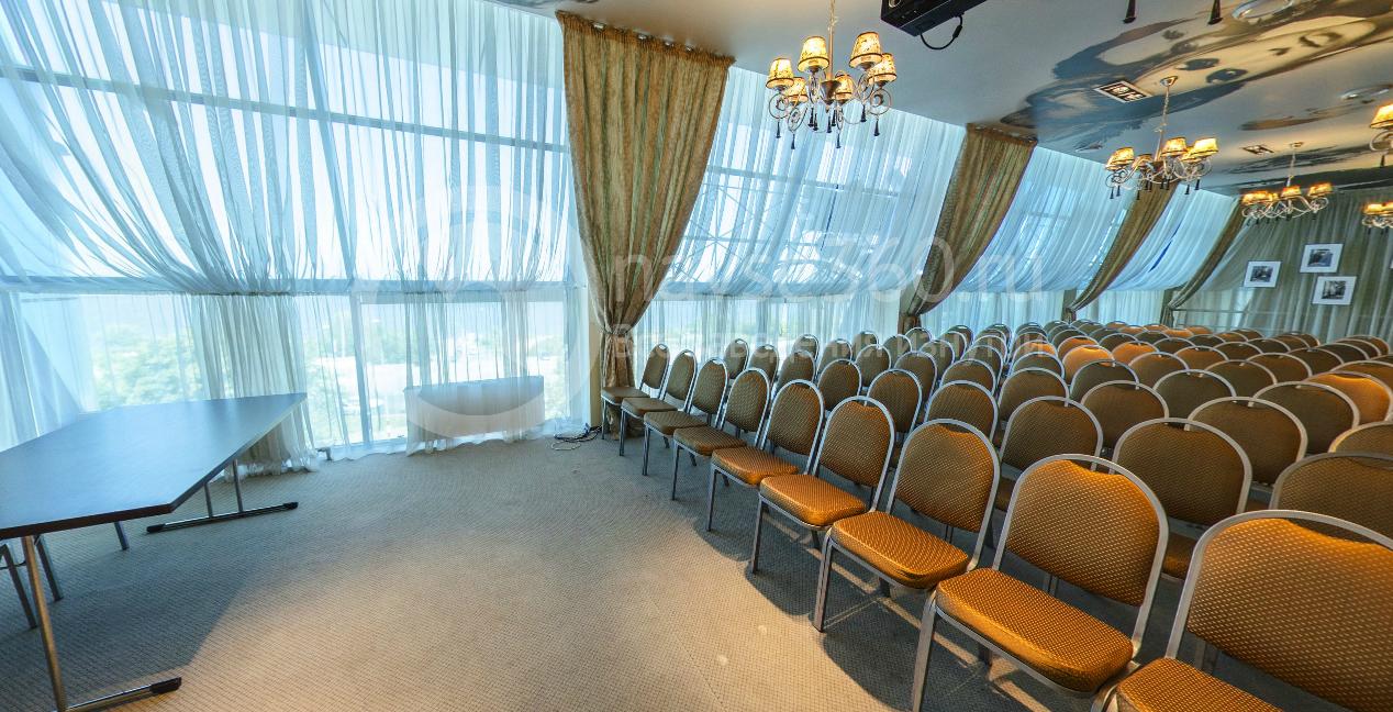 Конференц-зал в конгресс-холле Ривьера