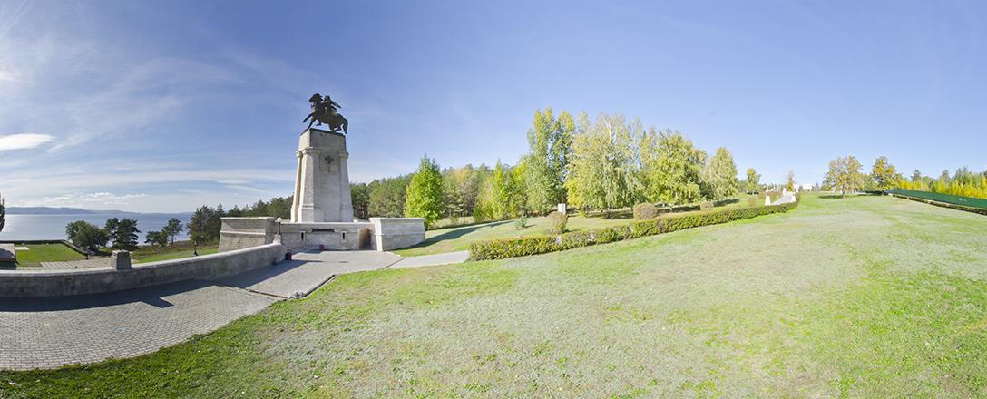 Памятник Василию  Татищеву