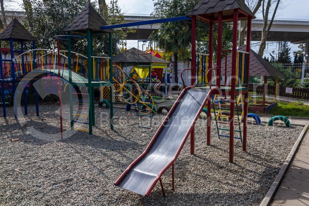 Детская площадка в арт-кафе Дача Босса в Сочи