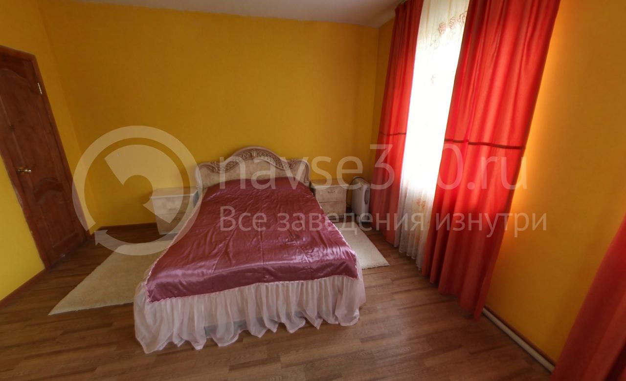 коттедж в аренду, спальня, кровать, коттедж в аренду в сосновом бору